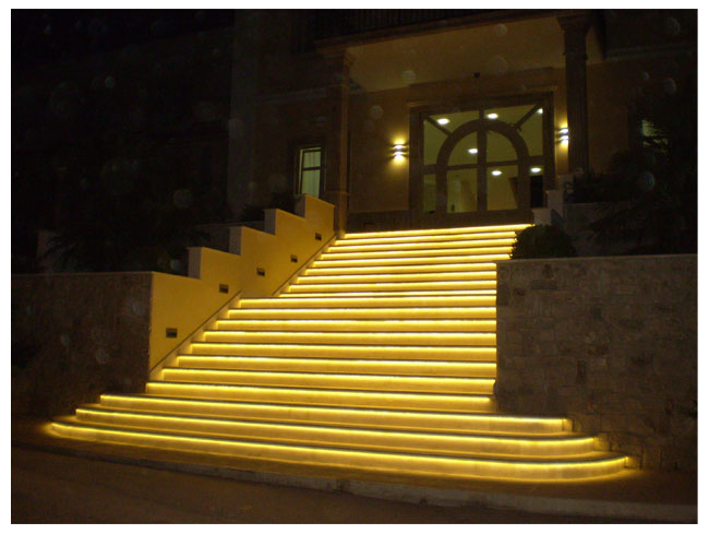 Stripe Outdoor Led Lights