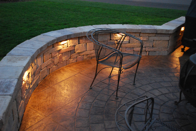 Enticing Outdoor Patio Lighting